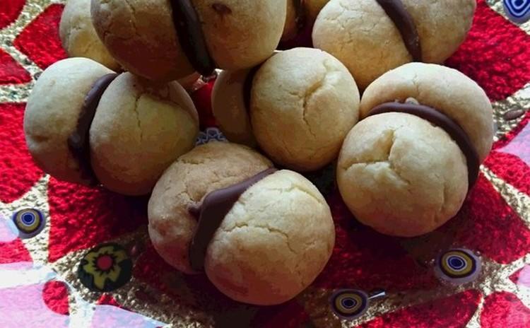 イタリアのクッキー「バッチ・デ・ダマ」
