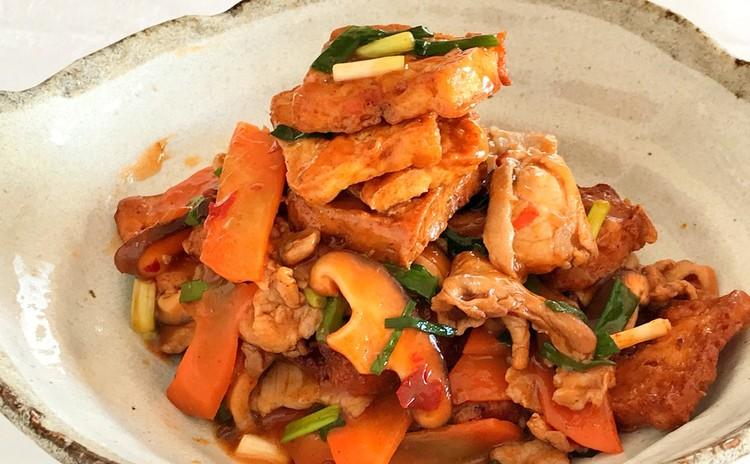 鍋塌豆腐(厚揚げと豚肉の中華ソース炒め)