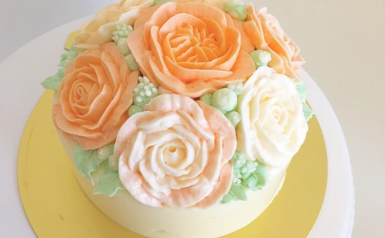 かわいいフラワーケーキ