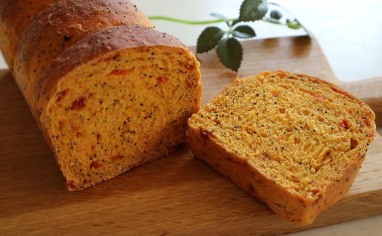 クコ(ゴジベリー)とブルーポピーシードのパン
