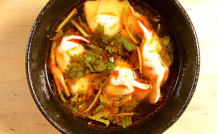 四川風スープ餃子