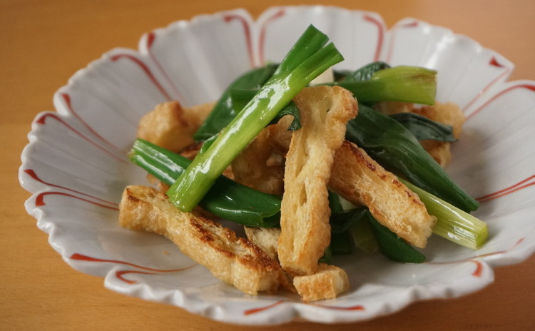青葱とサクサク油揚げの塩炒め 山椒風味