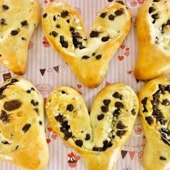 バレンタイン☆白神こだま酵母でハートのチョコパン&チョコビスコッティ