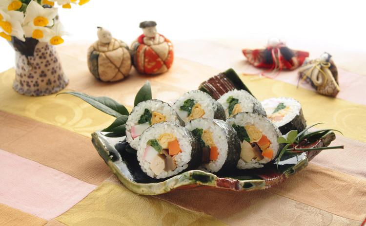 いつでも嬉しい家庭のお寿司。芽吹く草木に感謝と願いを込める弥生の献立。