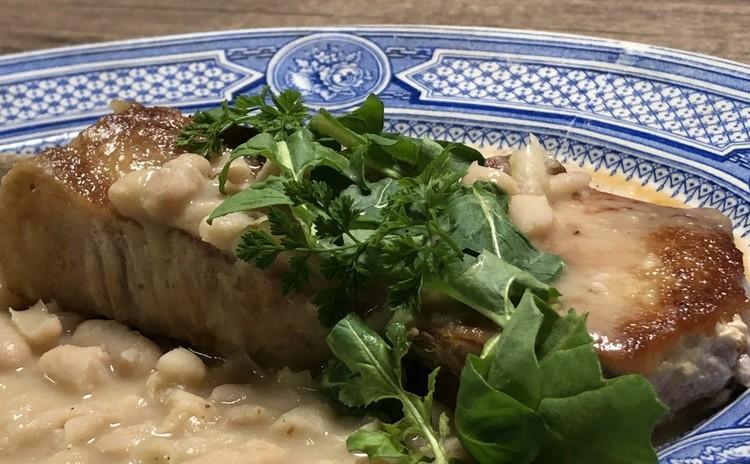 豚コートレットのグリルとオニオングラタンスープでビストロメニュー