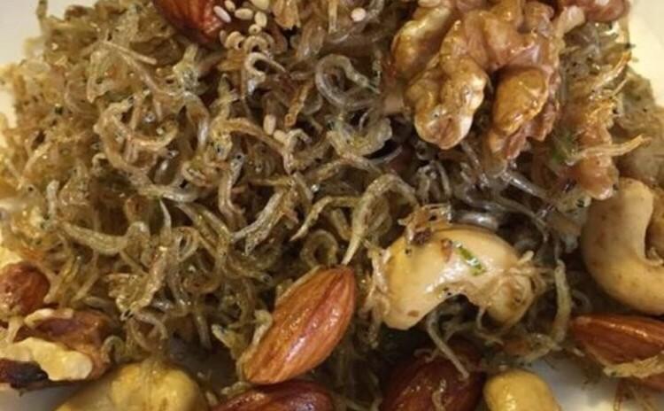 花ソンピョン송편他料理作り(韓国料理)100%米粉使用、持ち帰りあり緑豆チジミ녹두지지미、串チジミ꼬치、ミョンルチル炒め멸치견과류볶음、オイキムチ오이겉절이🌸