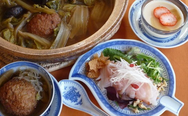 寒い日に作ろう温か大きい肉団子の煮込み中華鍋のある献立