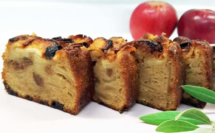 ザクザクりんごのパウンドケーキとキャベツとソーセージのケークサレ