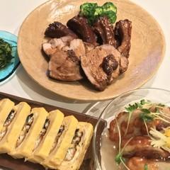 黒糖仕立ての炙りスペアリブ、海老のフワフワ揚げ出し、鰻巻き、カブの浅漬