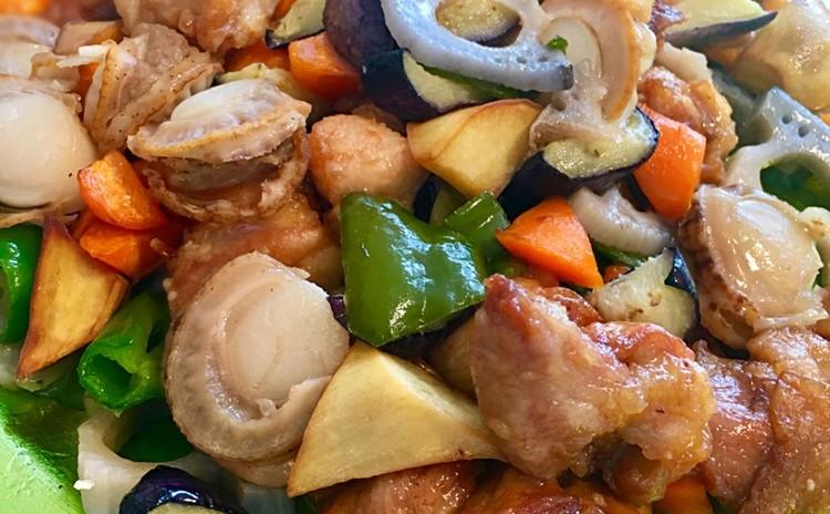 鶏もも肉と根菜の黒酢あんかけ