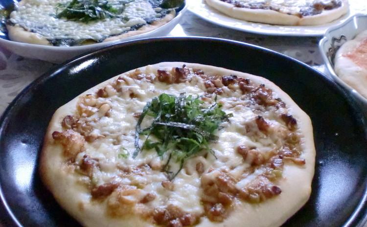 和のトッピングがよく合う味わい深いホシノ丹沢天然酵母ピザ生地