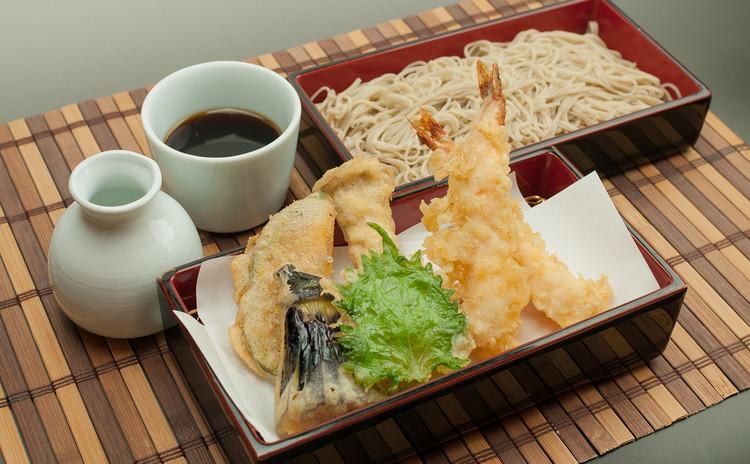 春の日本酒飲み比べ!鴨焼き・天ぷら添えの豪華そば打ち体験レッスン