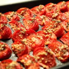 トマトの美味しさ新発見!トマトコンフィと海老のパスタ