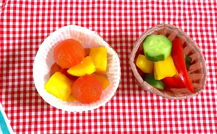 トマトとマンゴーのハニーマリネとカラフル野菜のピクルス