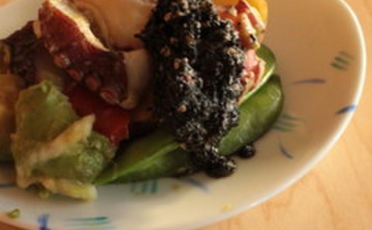 タコとアボカドのピリ辛海苔醤油サラダ