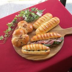 シマシマ模様が可愛い!ヴィエノワサンドとくるみパン ホシノ天然酵母で