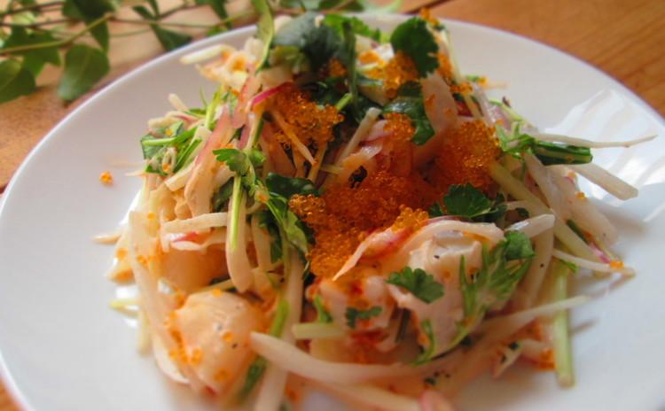 シャキシャキ野菜とシーフードのサラダ