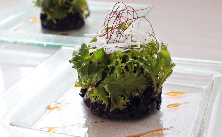 黒米とお豆のチョレギサラダ ミルフューユ仕立て~繁盛店のチョレギのタレ☆