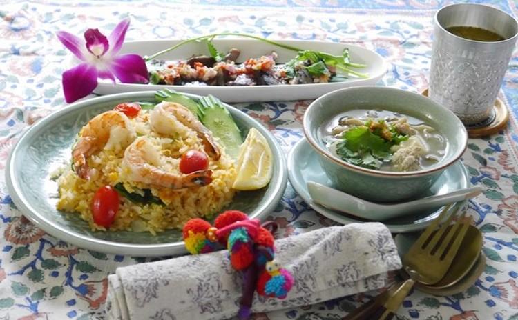 タイの激うま海老チャーハン♪ 旨味たっぷりの豆腐のスープを作ります!