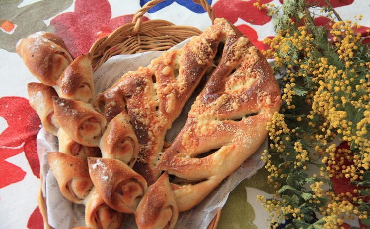 オーブントースターで焼くハードパン♪ベーコンエピ&フーガス