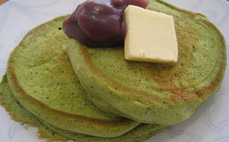 抹茶のグルテンフリーパンケーキ