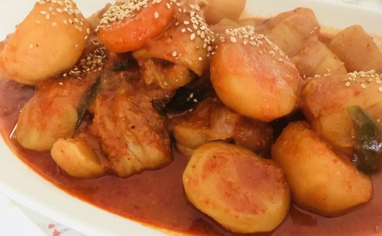 鶏タン도리탕(韓国料理)焼き海苔구운김、卵焼き야채계란말이、豆腐ゾリム두부조림、サンチュサラダ상추사라다(메실소스)(お土産あり)