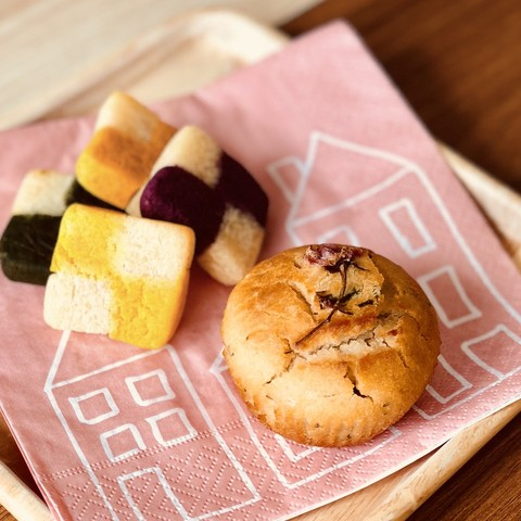 桜マフィンと市松模様クッキー