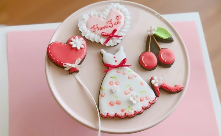 心地良い風の季節に、さくらんぼワンピースでおでかけ♪クッキー