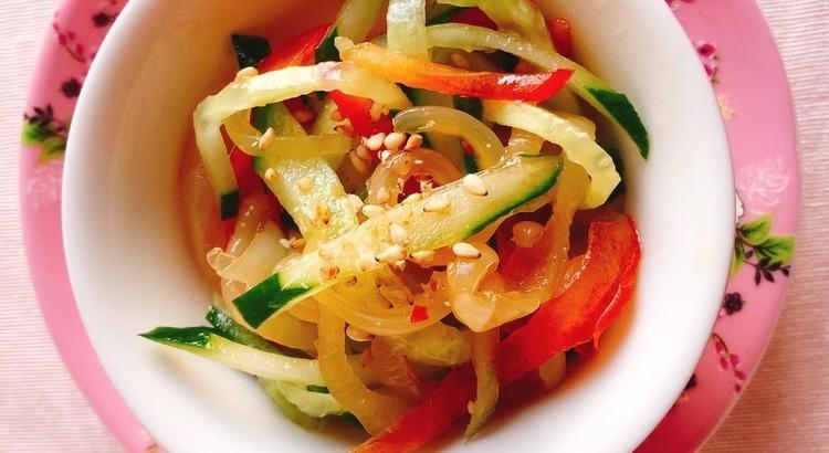 中華前菜の定番「きゅうりとクラゲの和え物」
