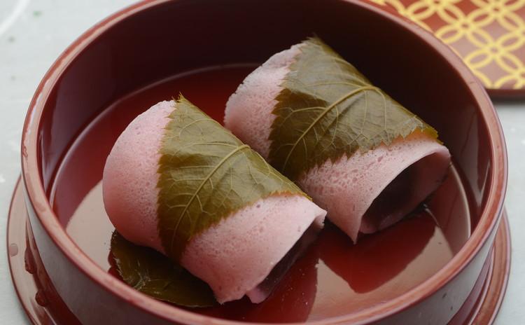 【春の和食卓文化ことはじめ・東西の桜餅比べ】