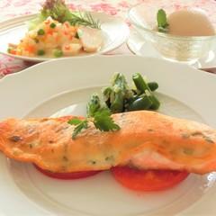 サーモンのパルメザンチーズ焼き、鶏肉のマリネ◆クリナップ新宿