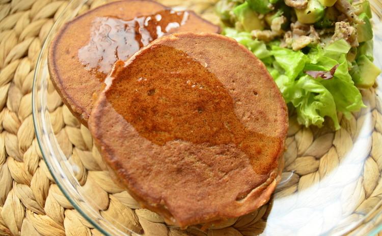 りんごジュース入米粉のパンケーキ&とろとろスクランブルエッグ