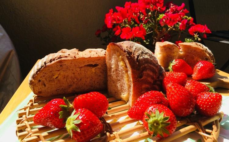 【東京開催】天然酵母を使用♪生のいちごとホワイトチョコのカンパーニュ