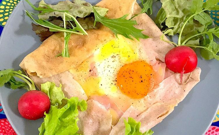 そば粉で作る生ハムと卵のガレット