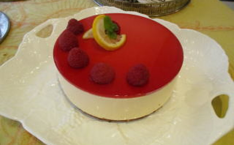 糖質制限でレモンと木苺のアントルメ作り!