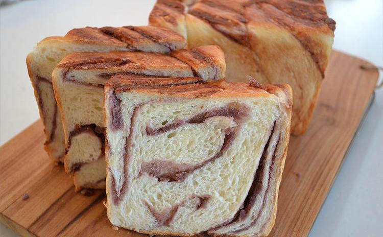 マーブルあん食パン