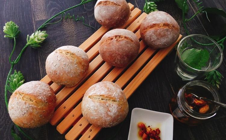 3品持ち帰り!ふわふわ雑穀パン&ぷちぷちチアシードパン&ナッツピクルス