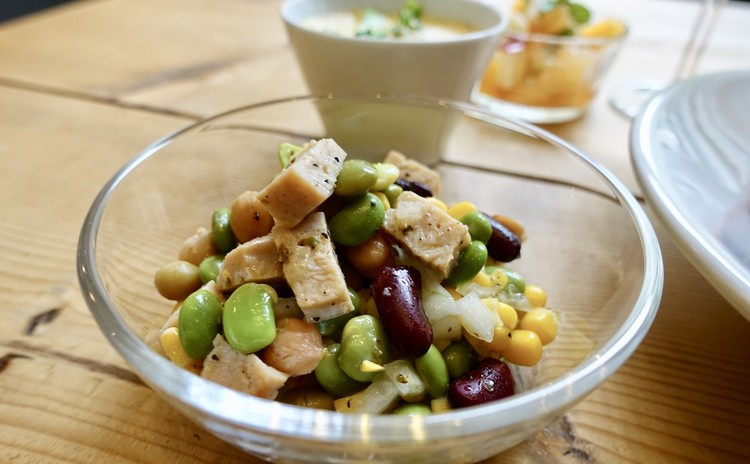 枝豆とチキンのサラダ