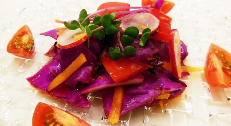 赤い野菜のオレンジマリナード