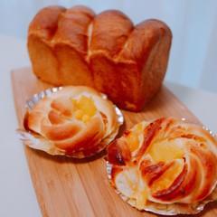 イーストで作るパイナップルパンとハニーブレッド