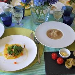 旬の小田原玉ねぎスープと鮭のベアルネーズソースでお家フレンチ
