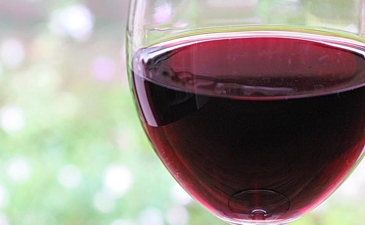3~4種類のグラスワイン