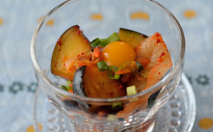 水茄子とキムチのピリ辛ユッケ風
