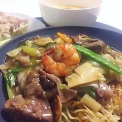 思わずうなる豊田式あんかけ焼きそば&垂涎豚肉焼売&完熟トマトの卵スープ