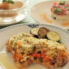 鶏肉と夏野菜のパン粉焼き、鯵とオクラのタルタル、ほうじ茶のババロア