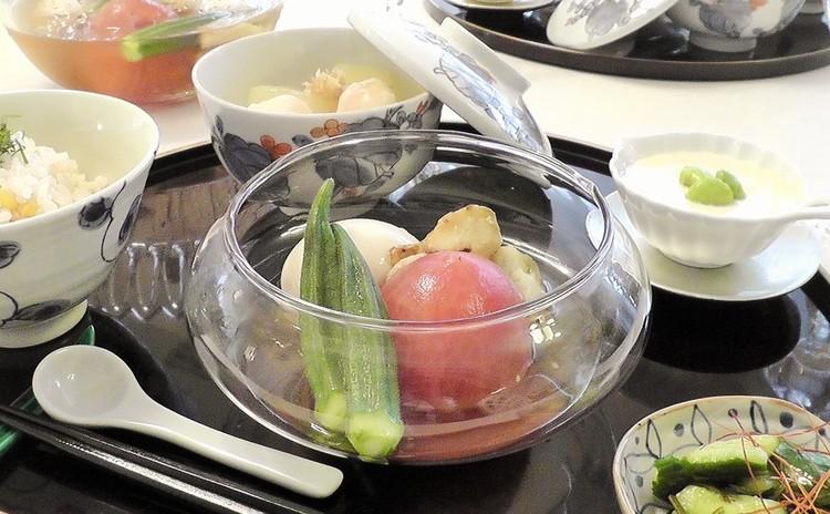 目にも涼しい本格日本料理を簡単に作りましょう。