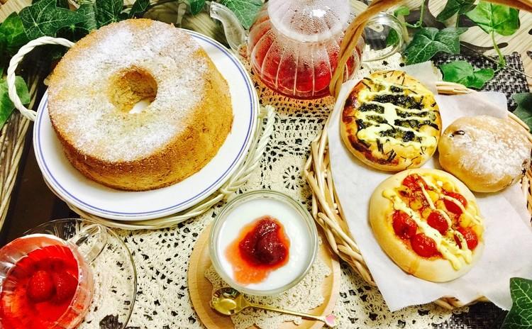 油不要ココナッツミルクのふわもちの米粉シフォンケーキと3種の米粉パン