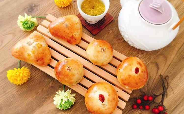 美肌の夏薬膳パン「はとむぎパン3種」(6個お持ち帰り)  季節の薬膳茶