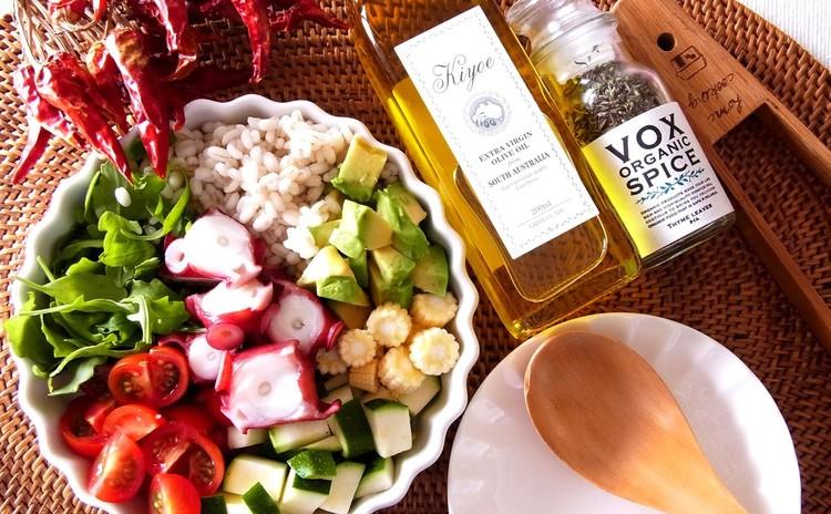 タコともち麦のパワーサラダ バルサミコドレッシング