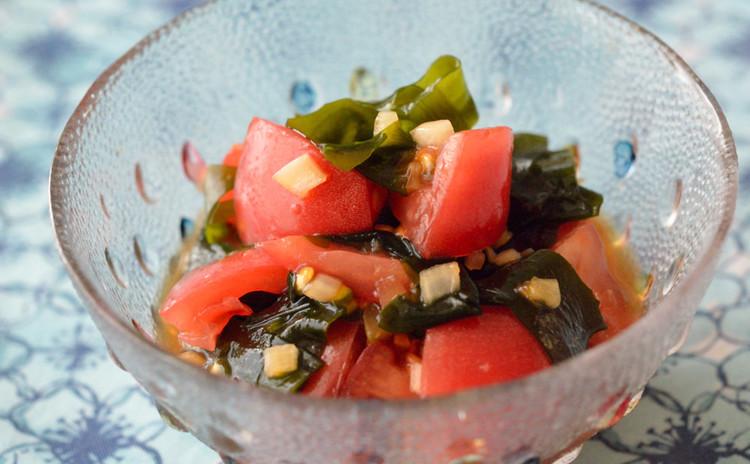 トマトとわかめの中華サラダ